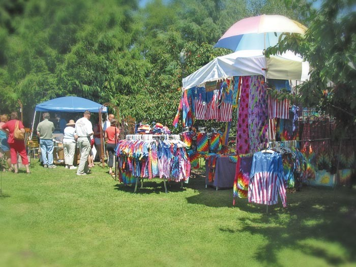 tie-dye vendor at fair